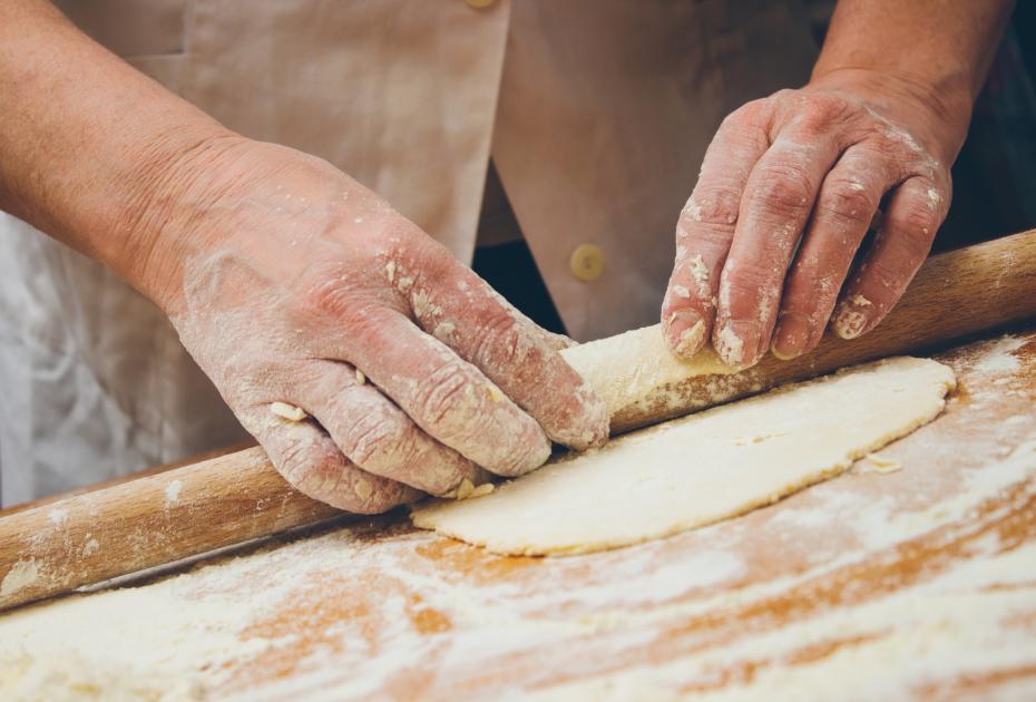 Taste of Crete: How to Make Marathopites Fennel Pies