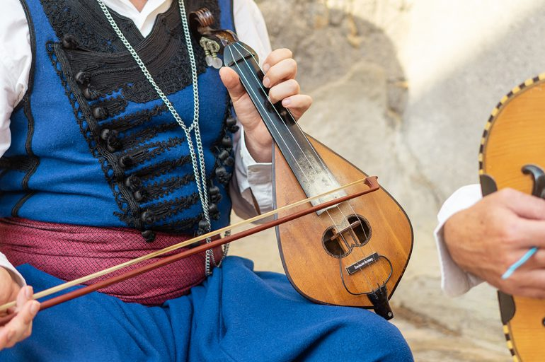 The lyra: the heart of Cretan music