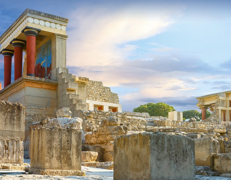 Minoan Adventures: Take a Day Trip to Knossos