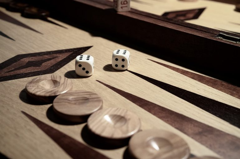 Tavli – the great Greek board game