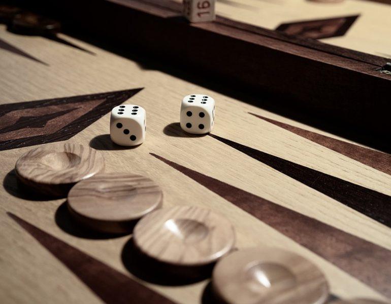 Tavli – the great Greek board game