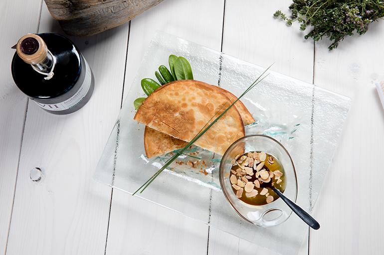 Sfakiani Pita: the aromas and tastes of Crete in one heavenly pie